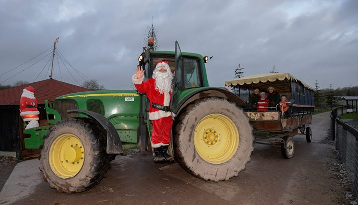 Santa's arrival to Rumley's Farm - Ring of Cork