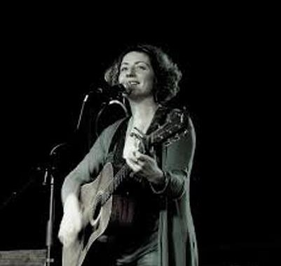 Ami Grady & The Aztec Diamonds in Youghal - Ring of Cork