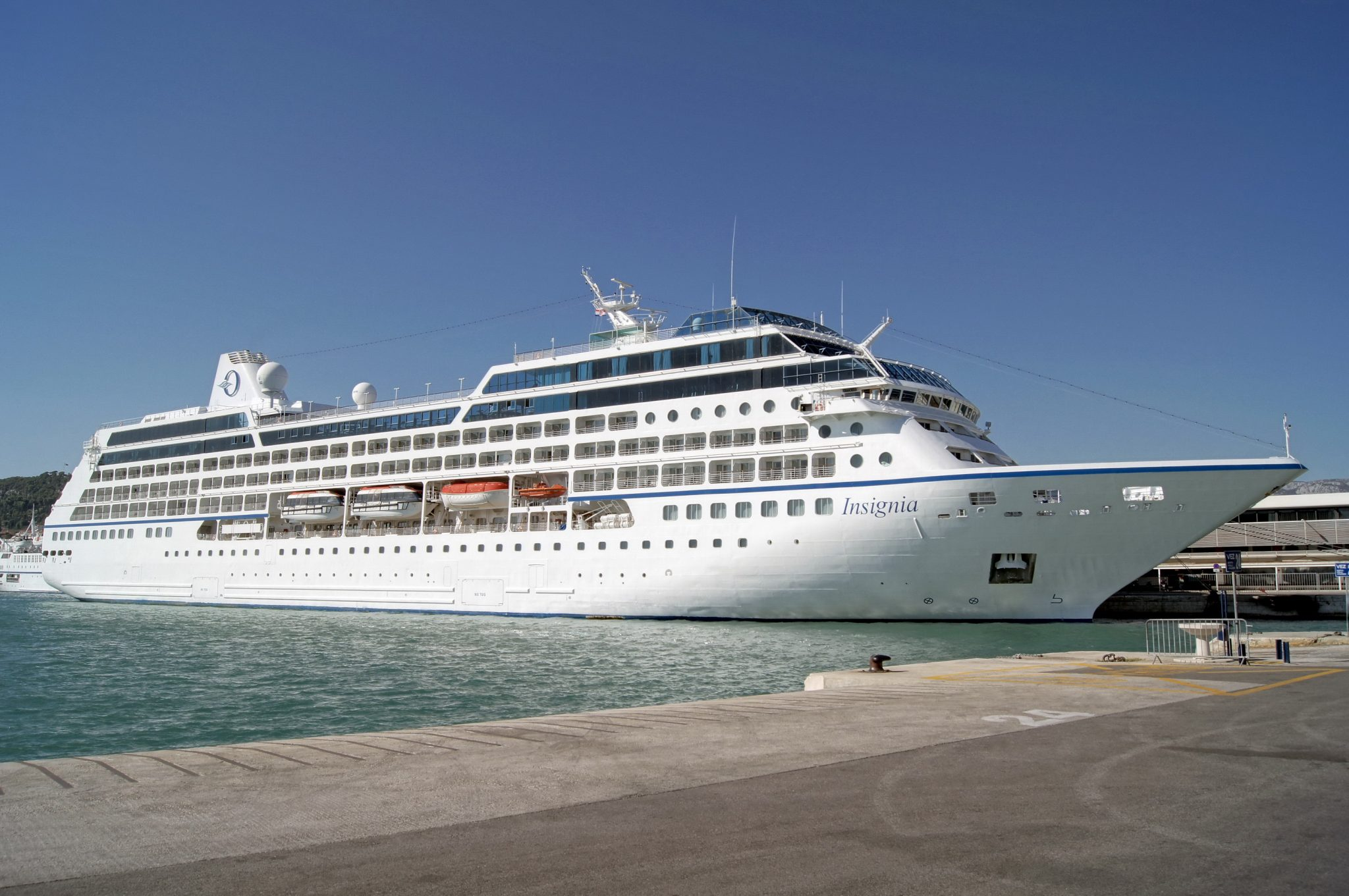 Insignia Cruise Ship arrives at Cobh Cruise Terminal - Ring of Cork